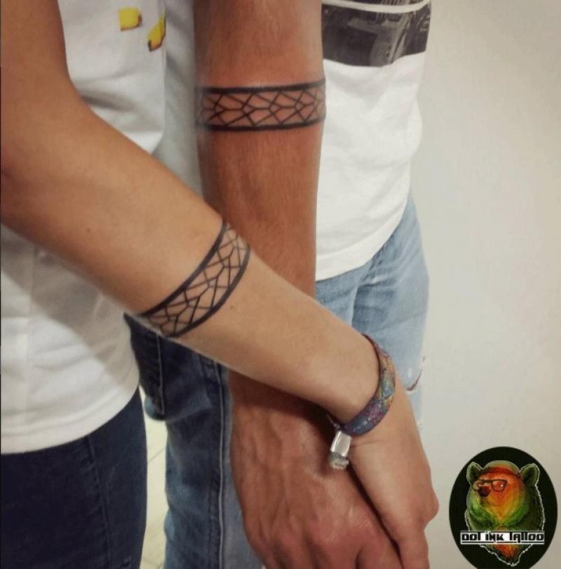 Armband tattoo unterarm