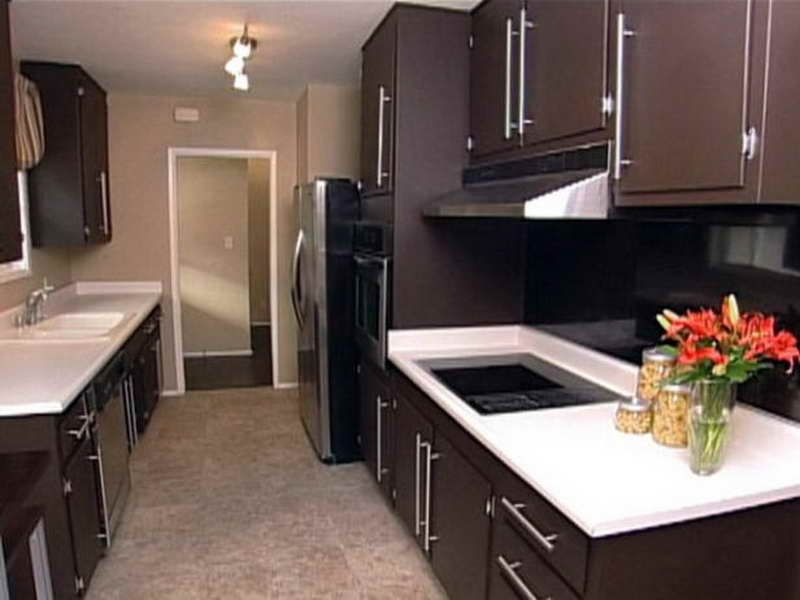 Pin By Karim Kotb On Paint Ideas Kitchen Design Small Brown Painted Cabinets Kitchen Colors