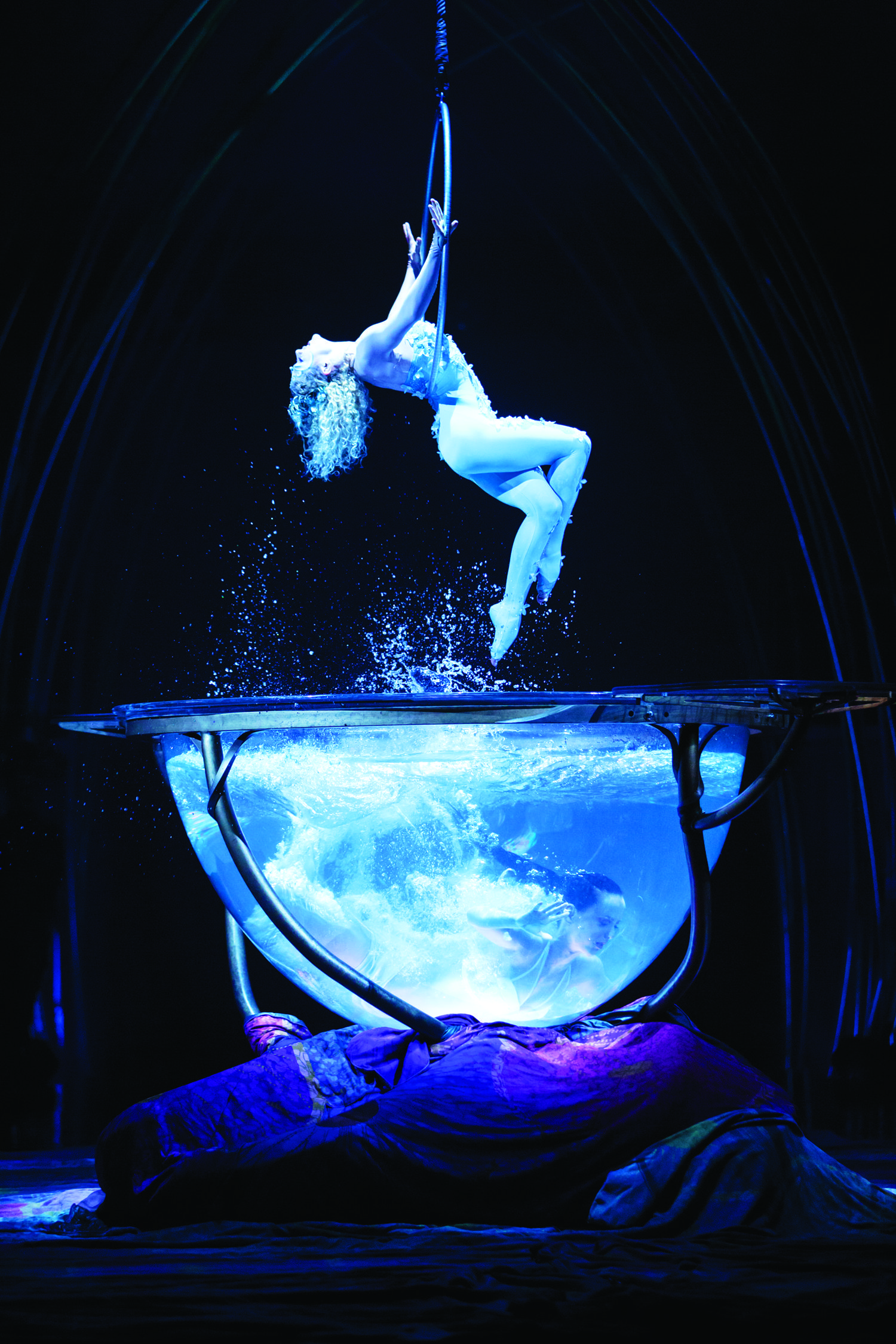 When Was The Last Time You Were Wowed Amaluna Mama S Mission Cirque Du Soleil Dark Circus Circus Art