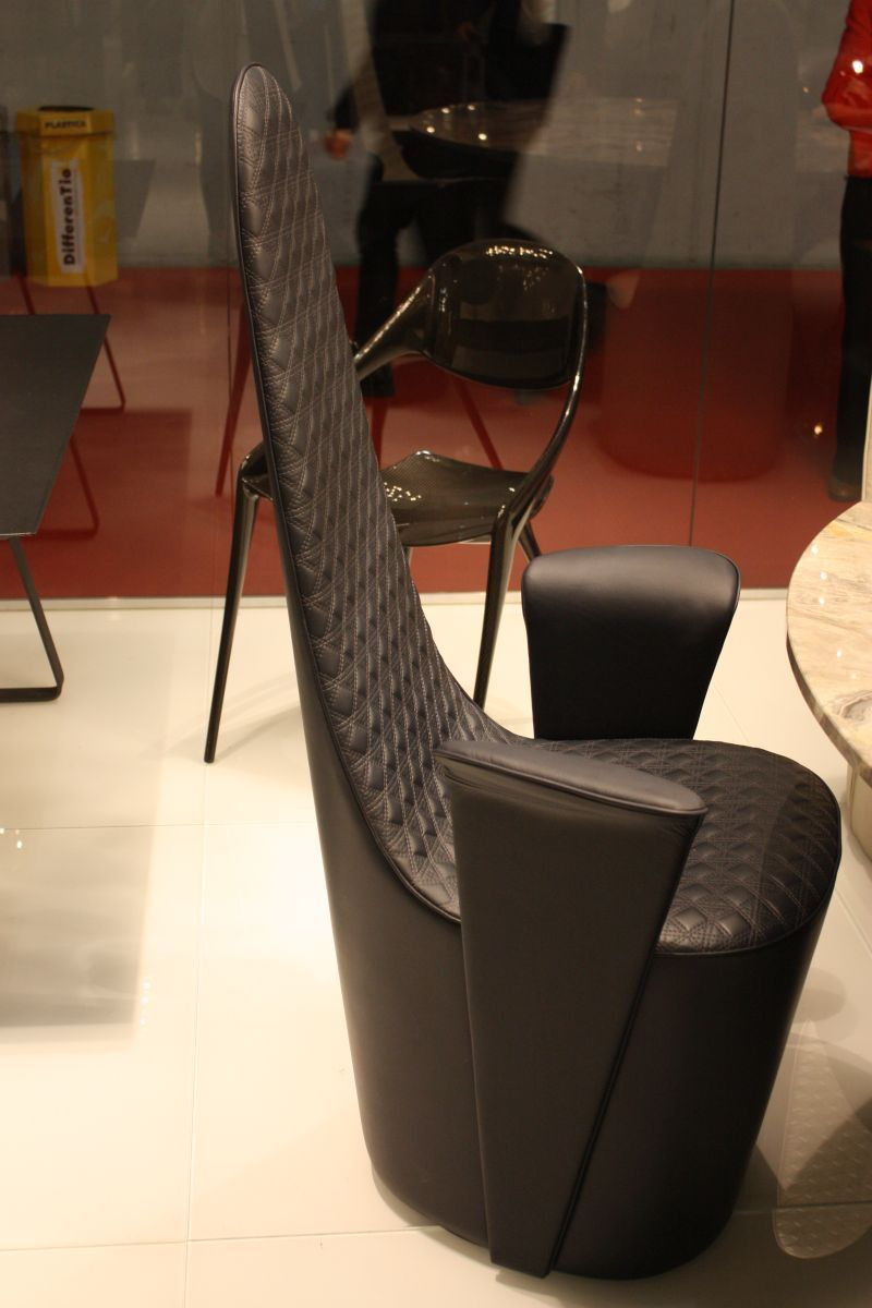 Designs That Emphasize The Prestigious Nature Of Black Furniture ...