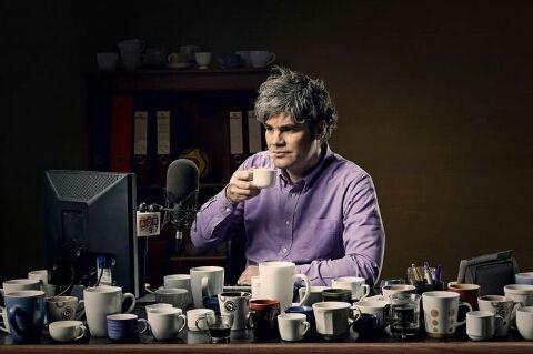 광고. 나도 커피 저래마시고싶다.