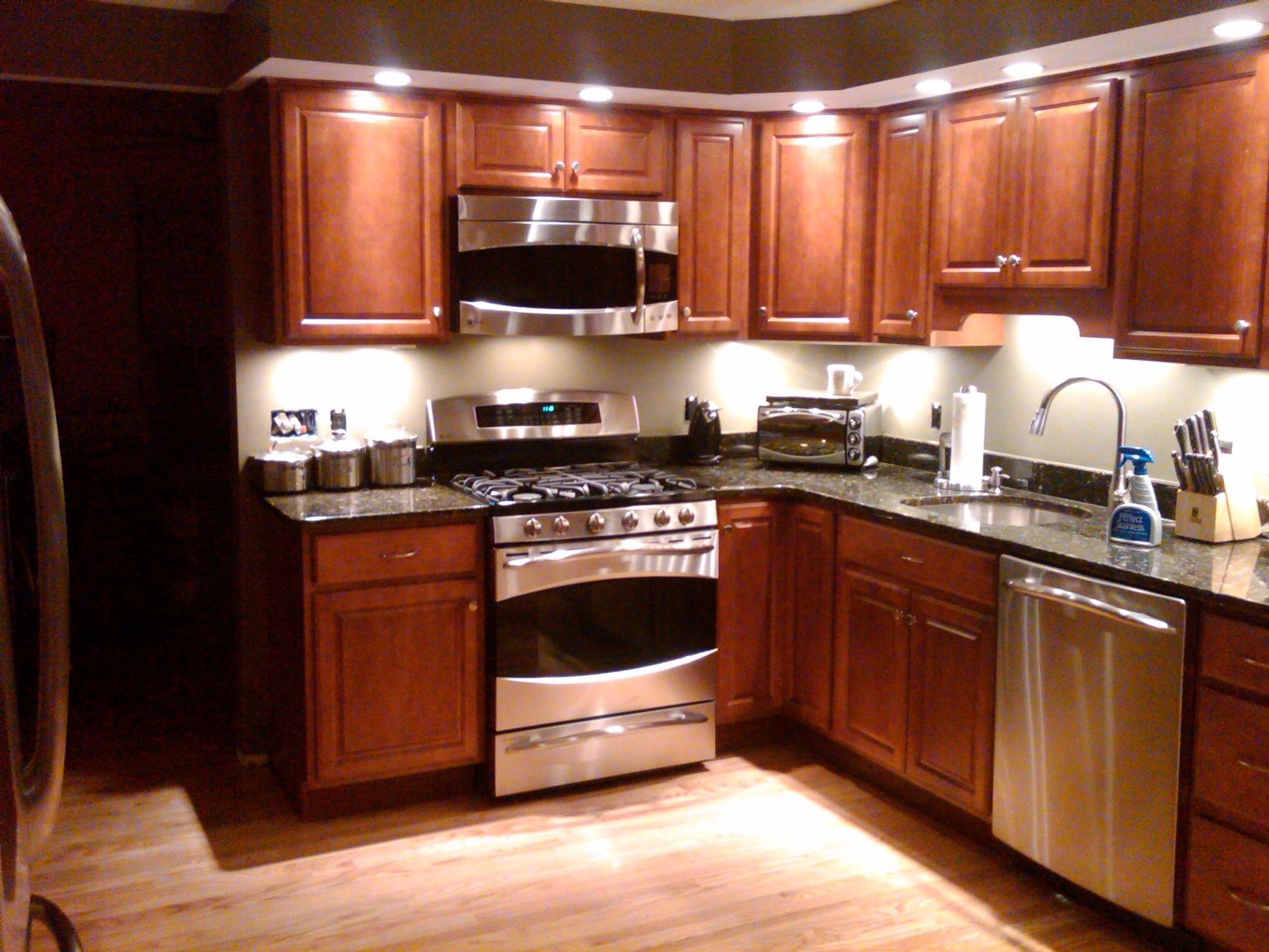 Pot Lights Under Kitchen Cabinets With Images Kitchen Cabinet Design Kitchen Lighting Design Kitchen Recessed Lighting