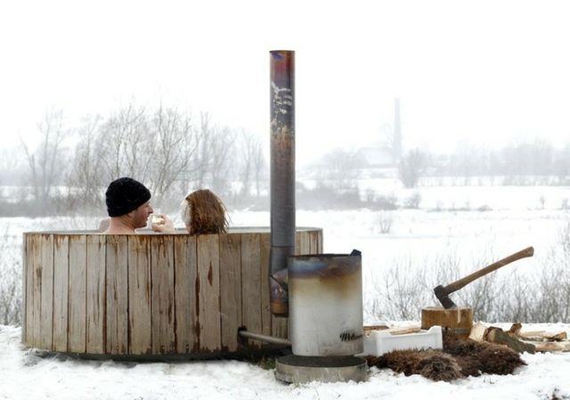 hei e badewanne whirlpool holz badetonne badespa garden pinterest baden badewanne und holz. Black Bedroom Furniture Sets. Home Design Ideas