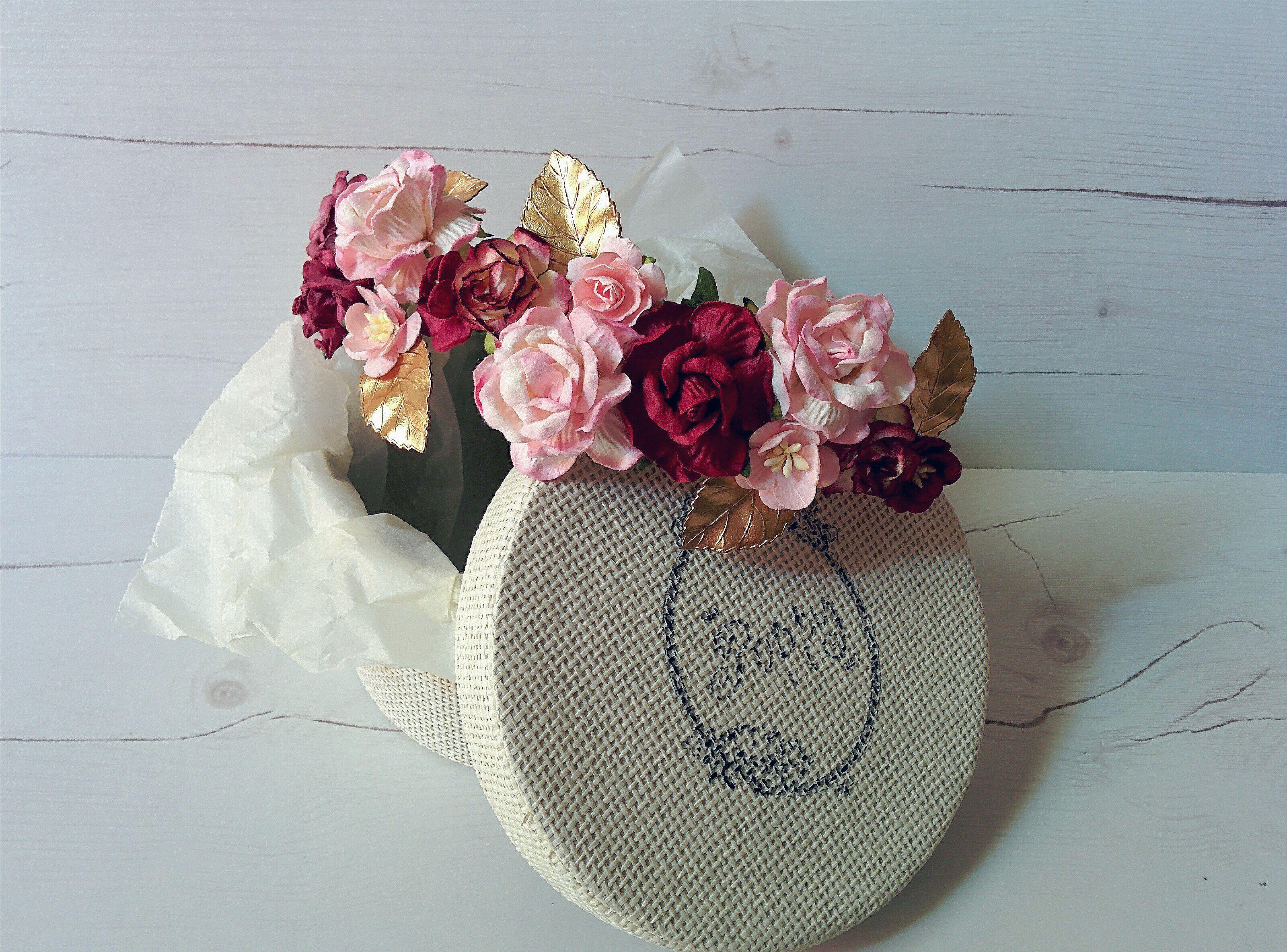 Custom made floral crown burgundy and pink hues with natural brass leaves <3 #custom #flowercrown #flowers #crown #floral #headpiece #bridal #bride #wedding #guest #handmade