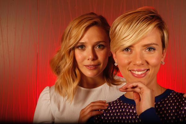 Scarlett Johansson And Elizabeth Olsen For The Los Angeles Times Elizabet Olsen Komiksy Marvel Marvel