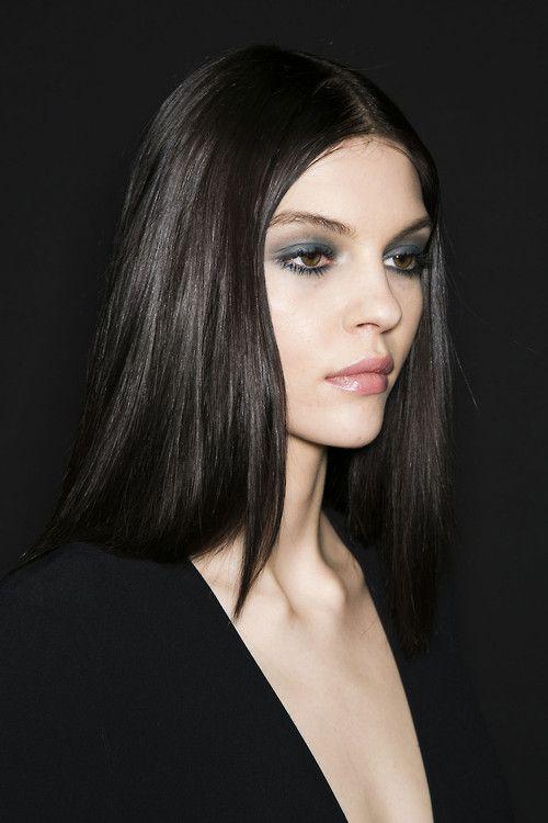 Pin By Jess On Kate Dark Hair Pale Skin Black Hair Pale Skin Hair Pale Skin