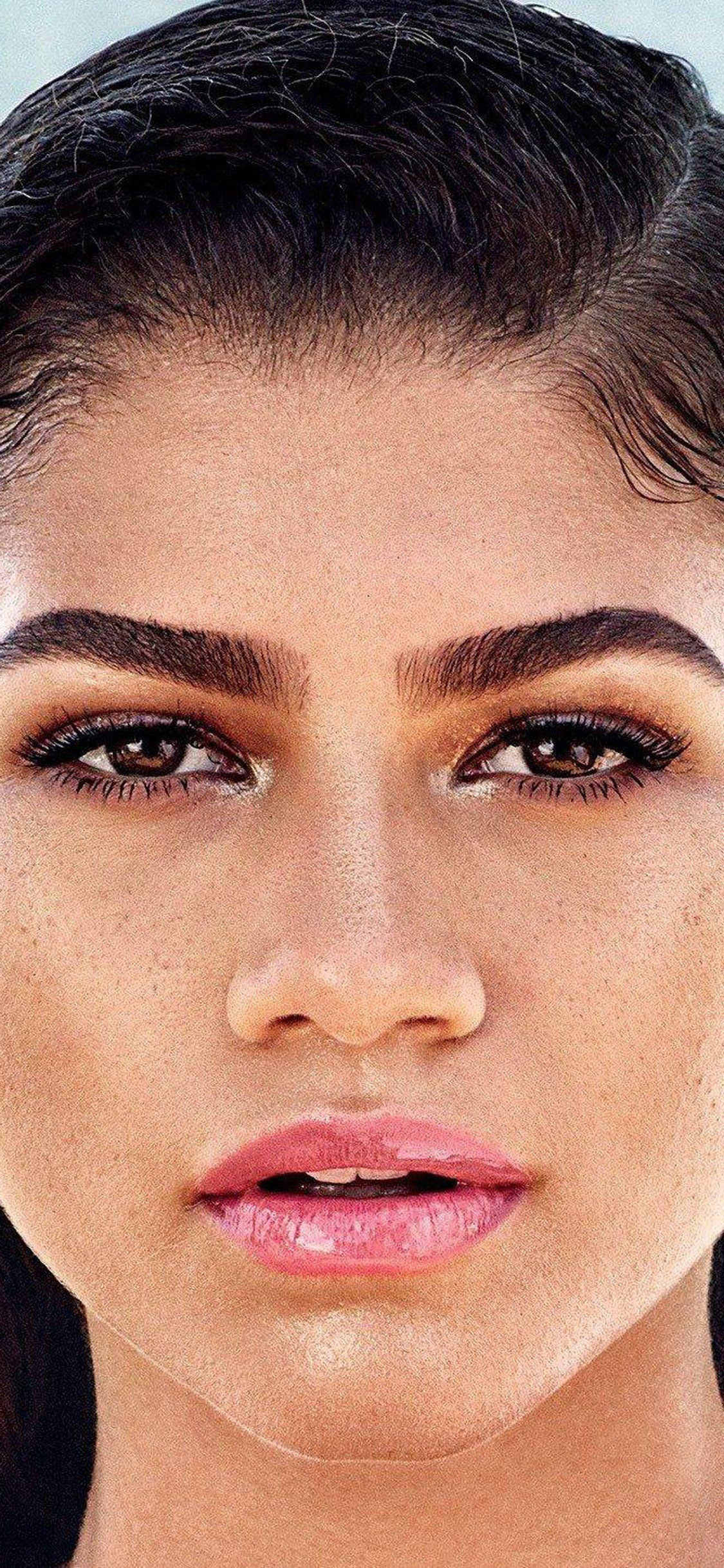 Download Zendaya Face Close Up For Iphone X Wallpaper Celebrity