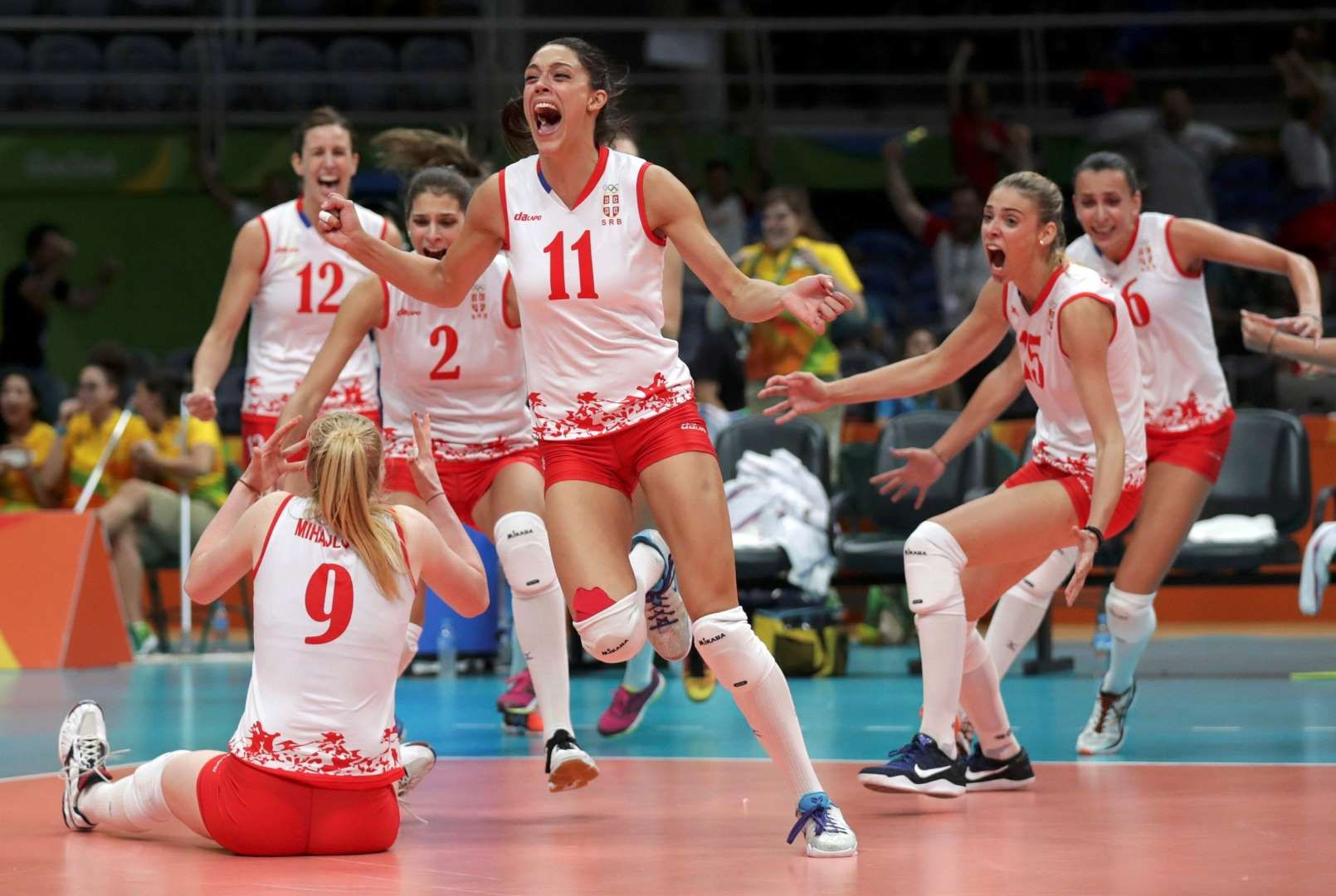 On To The Final Serbian Team Volleyball Players Celebrate Defeating The United States In Their Semifinal Mat Summer Olympics Olympics Summer Olympics 2016