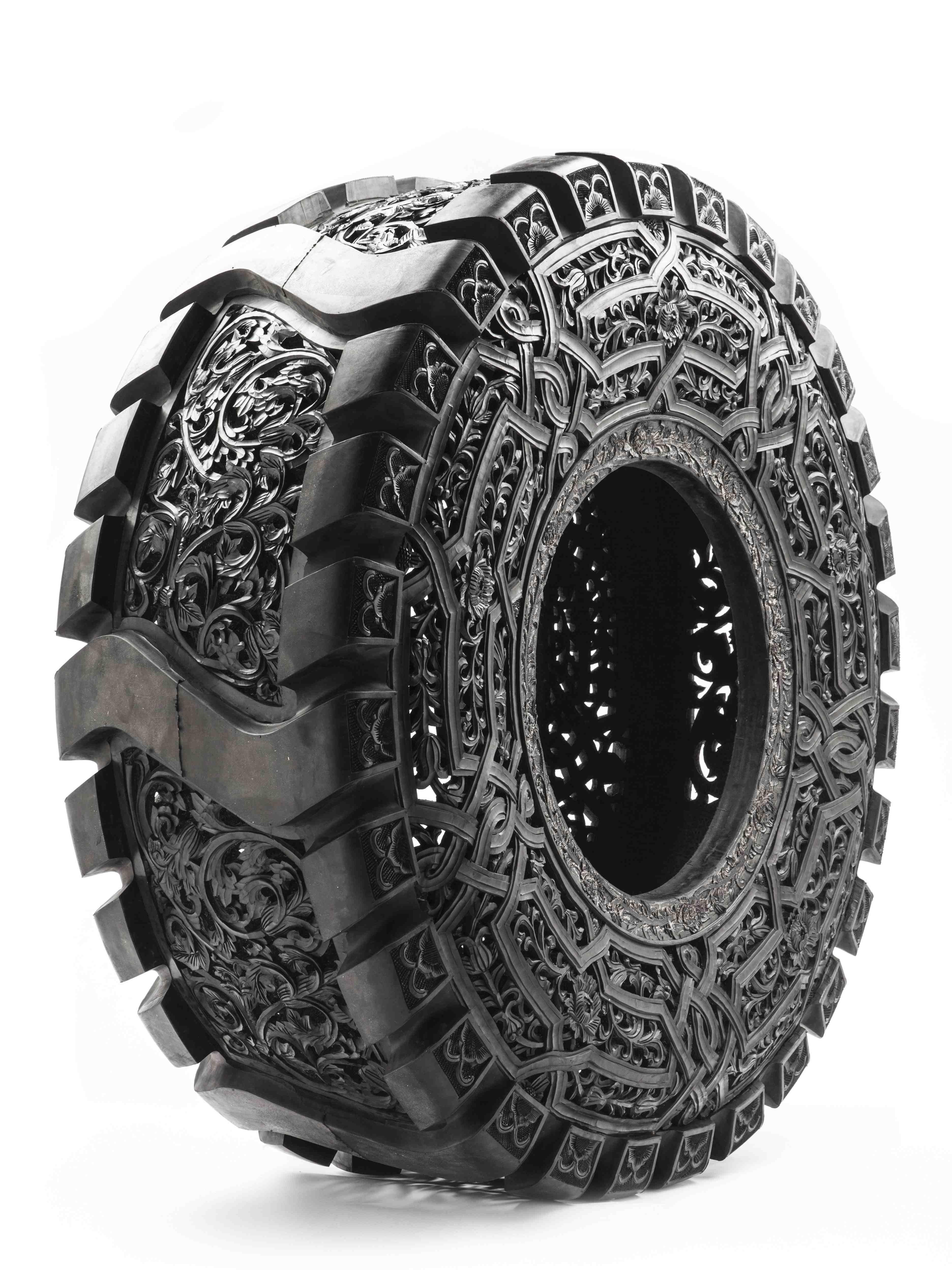 """Wim Delvoye, """"l'enfance de l'art""""   Sculptures   Pinterest   Truck tyres, Conceptual Art and Art 3d"""