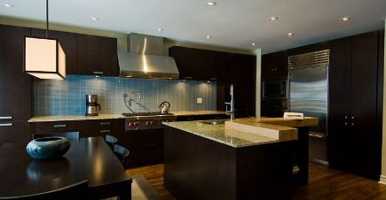 Dark Cabinets With Blue Love How Some Of Them Go All The Way Down To