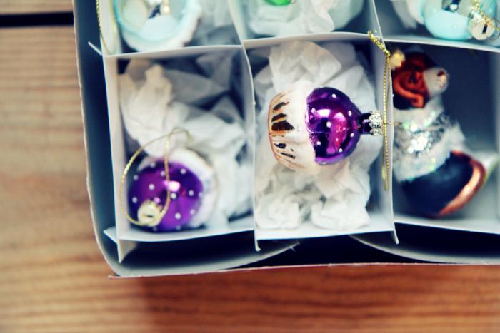 From Tarja's Snowland blog. glass muffin, cupcake, lasinen joulukoriste glass christmas decor, muffins, cupcakes, lasiset joulukoristeet, muffinit, kuppikakut,