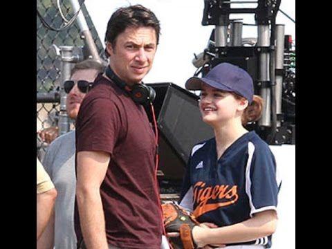 Zach Braff Directs Joey King's 'Going In Style' Softball Scene