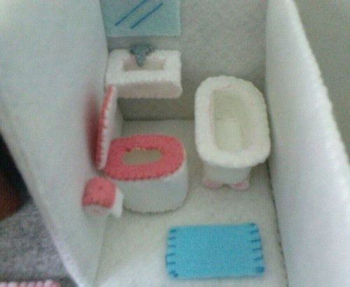 Felt Miniature Dollhouse (Email Patterns and Instructions) #miniaturedollhouse