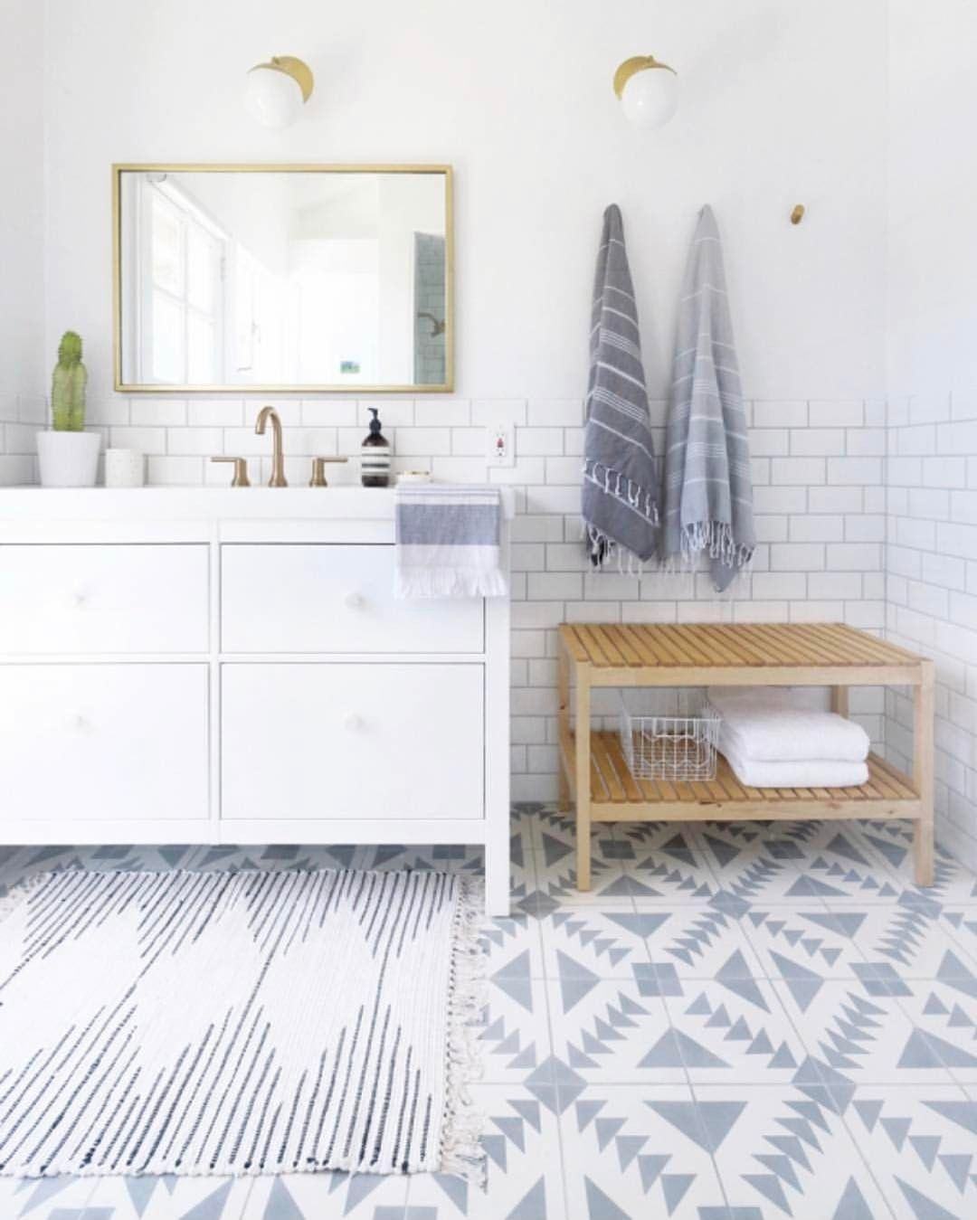 35 Amazing Bathroom Remodel DIY Ideas that Give a Stunning Makeover ...