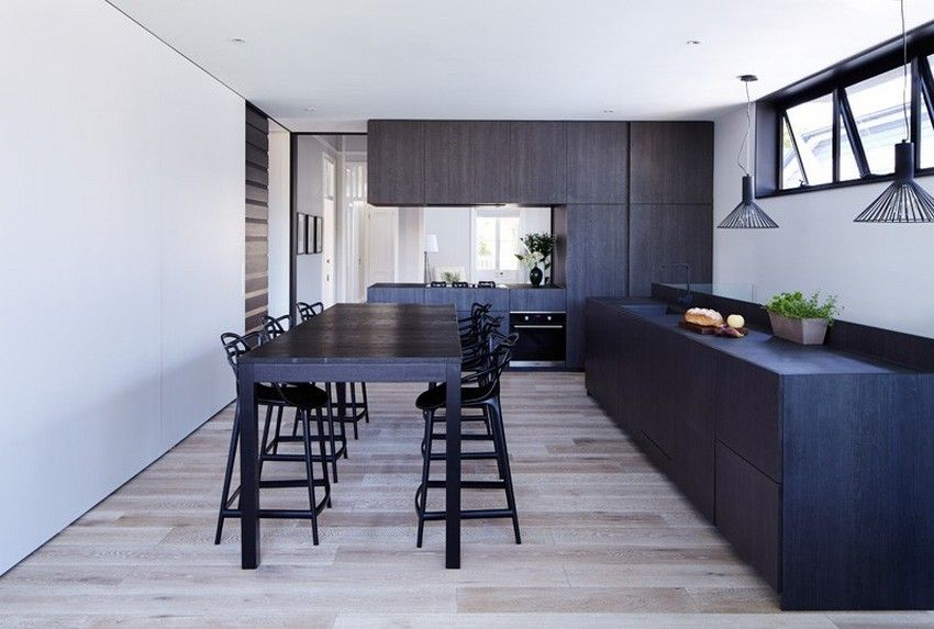 Harmonious Blend of Traditional and Modern Design: Kent Rd House in Australia - http://freshome.com/2015/02/18/harmonious-blend-of-traditional-and-modern-design-kent-rd-house-in-australia/