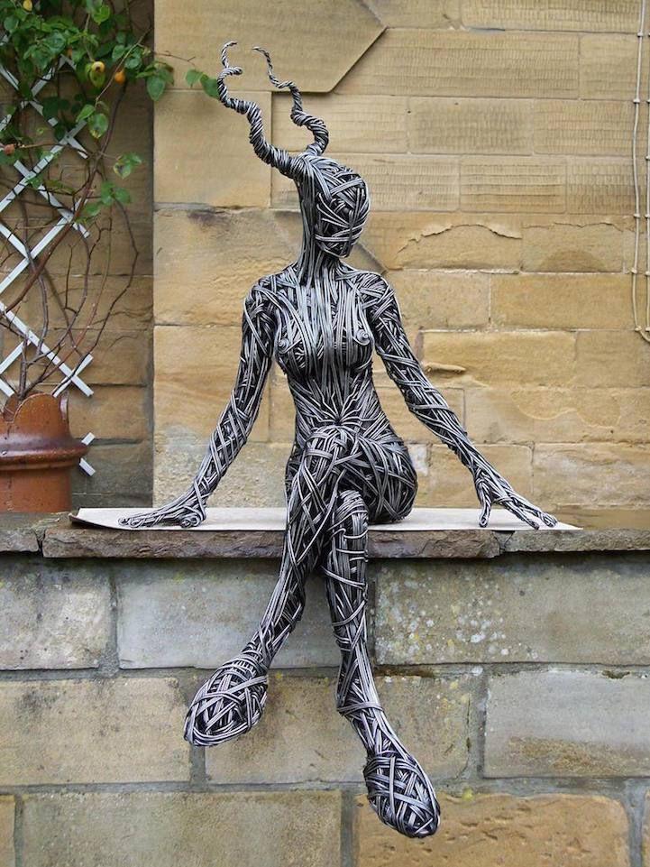 Artist Creates Evocative Sculptures Using Metal Wire Human