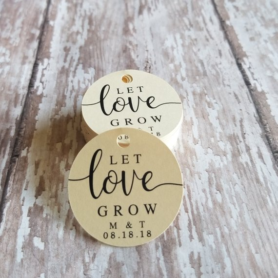 Vintage Kraft//White//Ivory 4 Personalised Wedding LET LOVE GROW Favour Tags