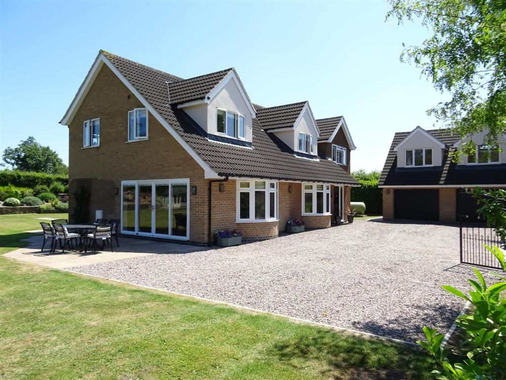 6 bedroom detached house for sale Ashby Road, Sinope