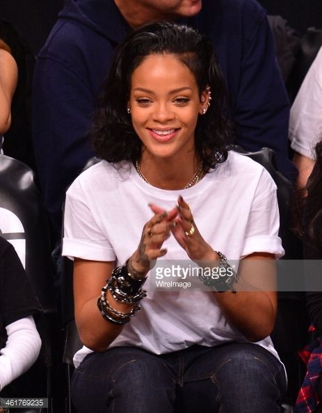461769235-rihanna-attends-the-miami-heat-vs-brooklyn-gettyimages.jpg 463×594…