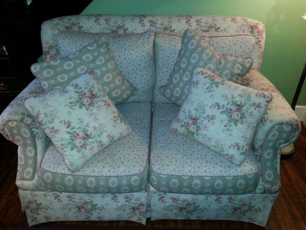 I M Looking For This Set From Hickory Hill Furniture Think It S Grandma