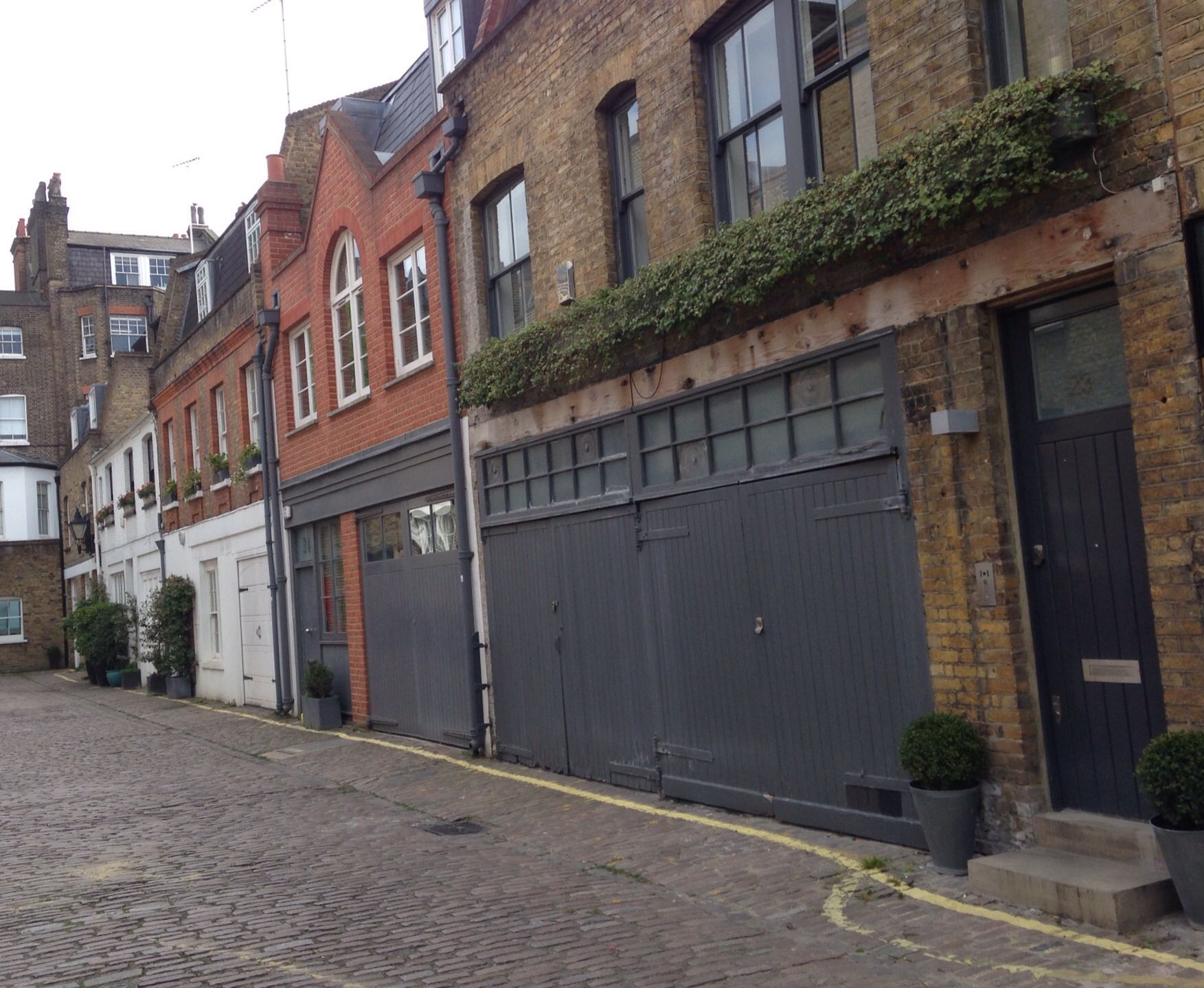 Mews House London W1 In 2019 Mews House House Doors