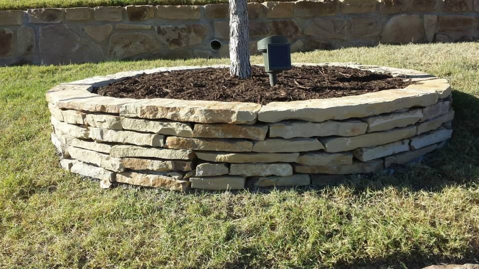 Stacked Flagstone Garden Bed Rock Flower Beds Stone 400 x 300