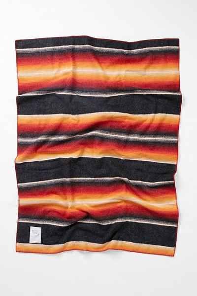 Woolrich Logan Ridge Throw Blanket - Urban Outfitters