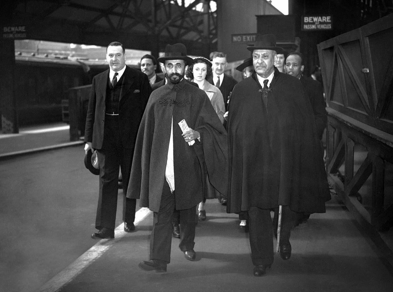 London Emperor Haile Selassie - Flashbak | Victoria station, London photos,  Victoria station london