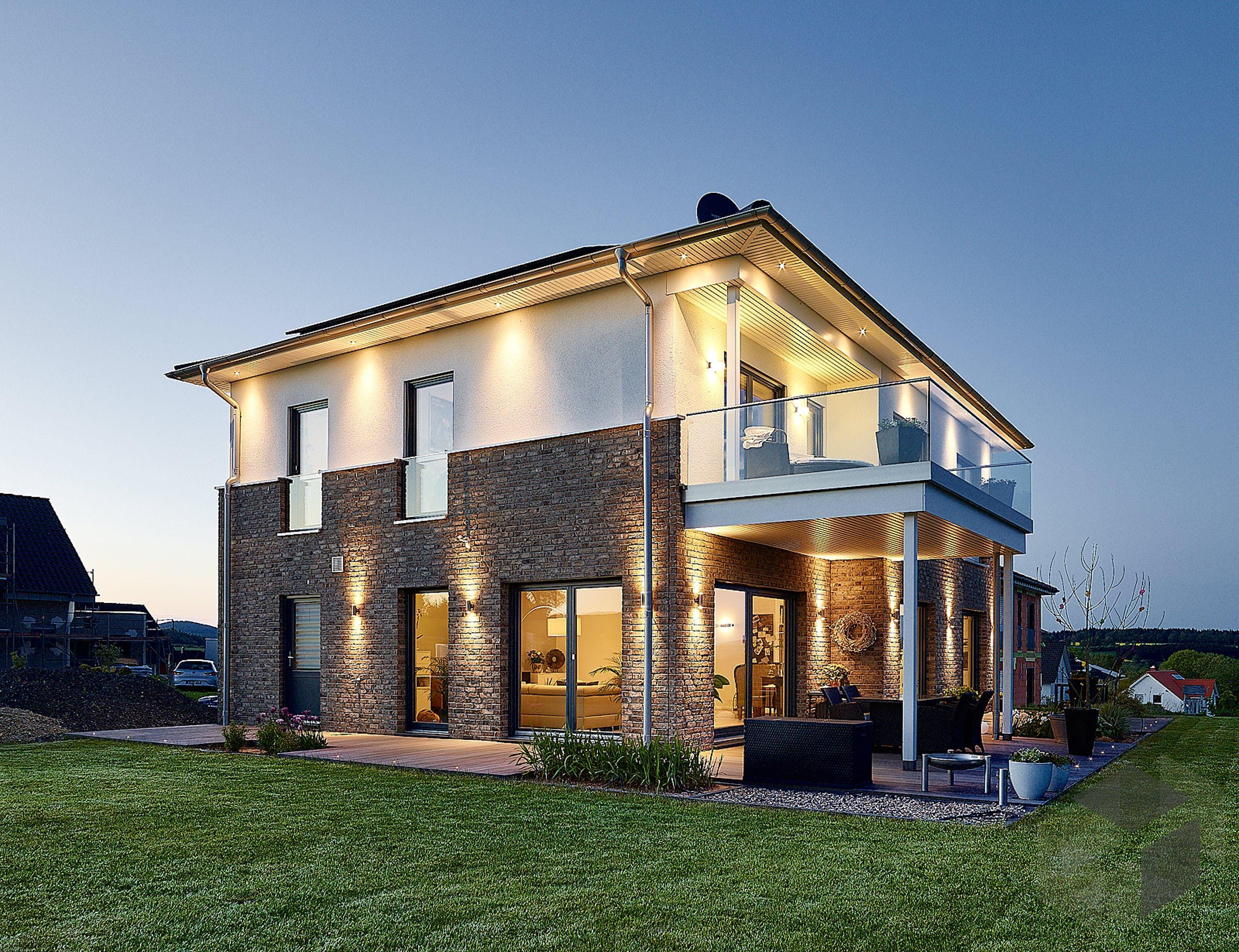 Großes Einfamilienhaus 'Baggio' von GUSSEK HAUS Alle