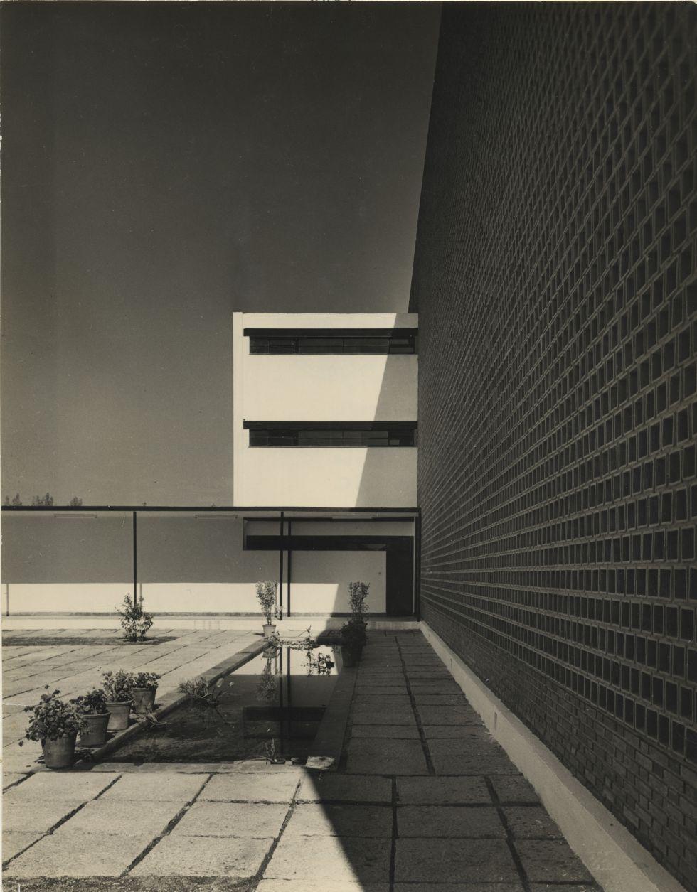 La espa a futura del siglo pasado arte que inspira for Restaurante escuela de arquitectos madrid