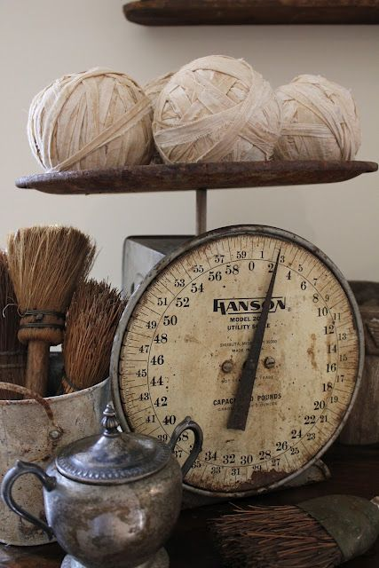 What a wonderful scale, little brooms and silver pot