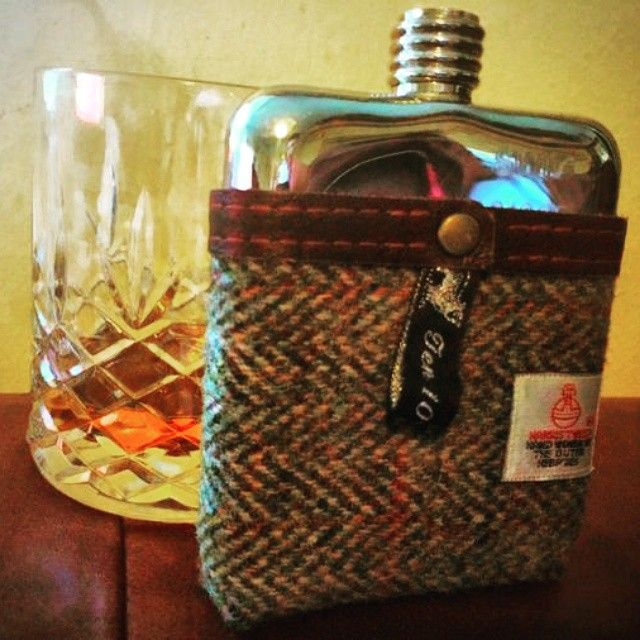 A #worldwhiskyday dram for Dan and #01095. #swigflasks #SWIGmoments