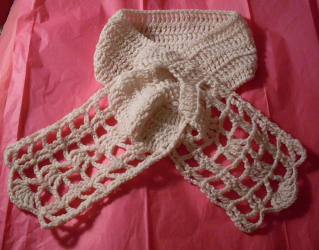 Free Crochet Pattern for Keyhole Scarf...this is lovely, very lacy ...