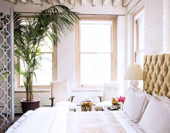 The Best It-Girl Bedrooms// tufted headboard, palm, screen, loft #Home #Interior #Design #Decor ༺༺  ❤ ℭƘ ༻༻  IrvinehomeBlog.com