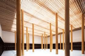 Structural pillars arrayed similarly to Mooloomba house