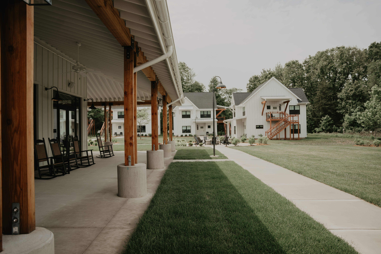 west michigan wedding venues, baypointe woods, wedding