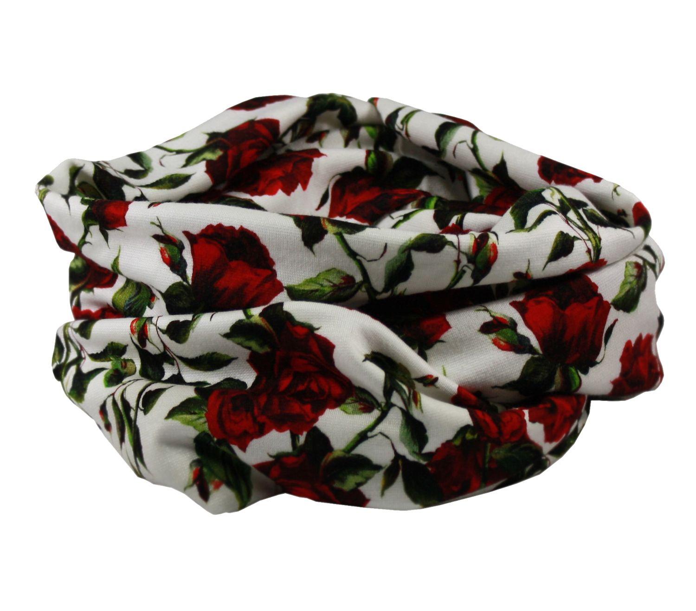 b7bd89656c2d22 Loop Schal Rundschal rote Rosen Loop Schal von klennes Loop Schal im  wunderschönen Rosen Design aus