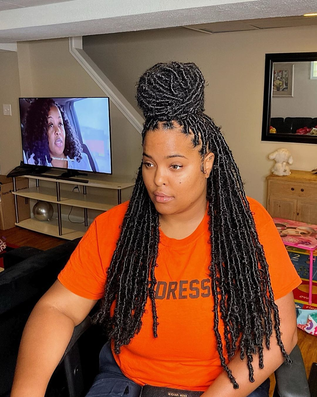 "Goddess🔥queen👸🇳🇬🇺🇸🧿 on Instagram: ""Waist length small size Infinty Locs 😍 Duration: 3.5 hours  Can last 2/3 months  #infinitylocs #jumbobraids #baltimorehair…"""