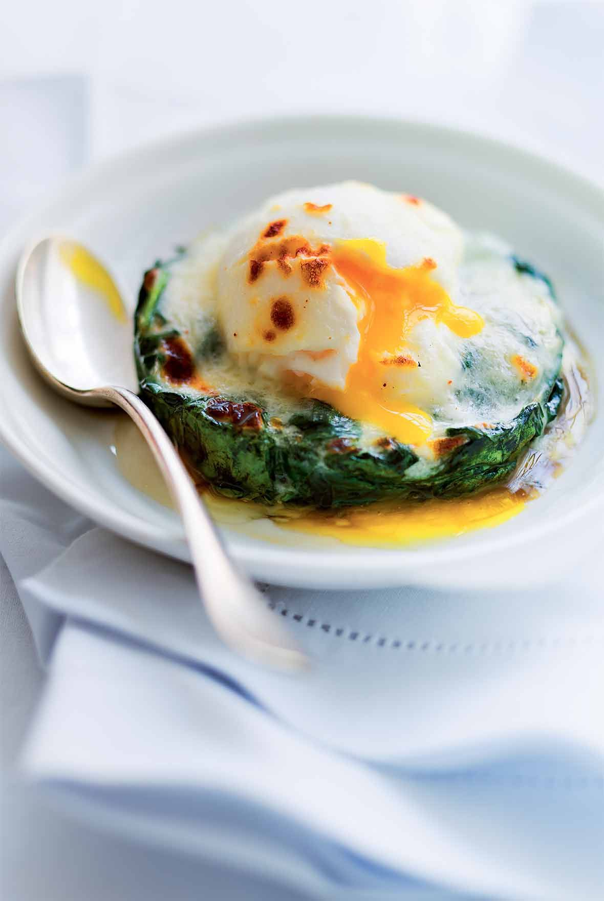 Easy Eggs Florentine Recipe Eggs Florentine Food Recipes