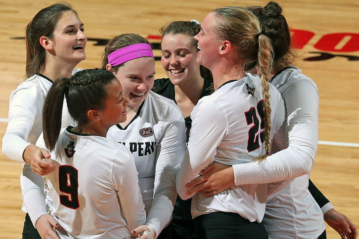 Apsu Volleyball On The Road To Face Belmont Tennessee State Volleyball Austin Peay State University Tennessee