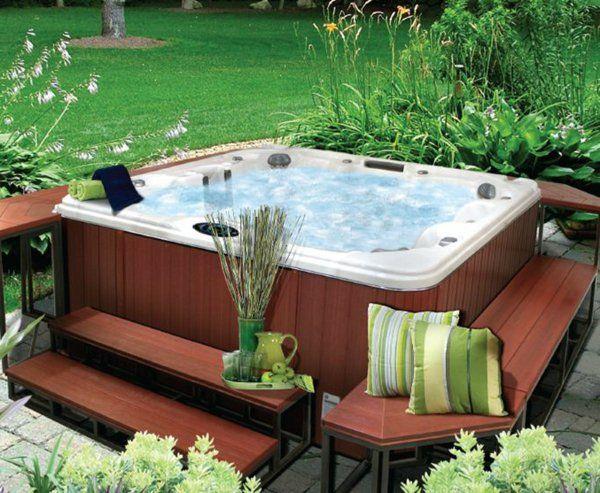 Whirlpool Garten whirlpool im garten grünes gras grüne akzente backyard