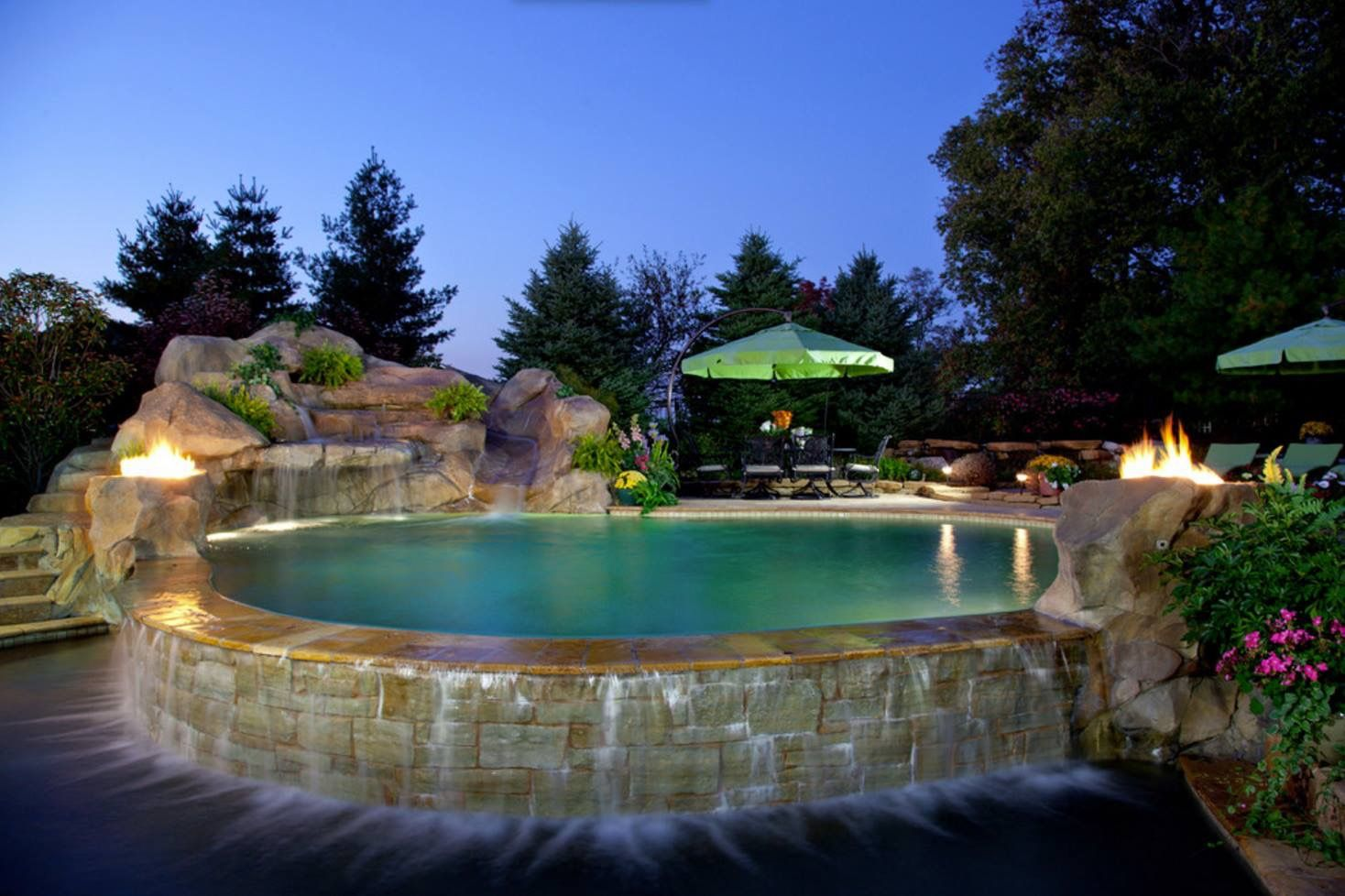 Did You Know The Cost Of Adding An In Ground Swimming Pool To Your Home Ranges On Average Between 33 Pool Hot Tub Swimming Pool Hot Tub Swimming Pool House