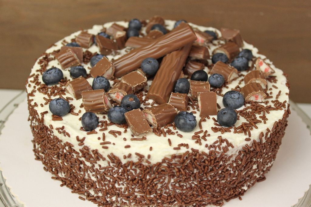 Yogurette Torte selber backen  frische Torten Rezepte