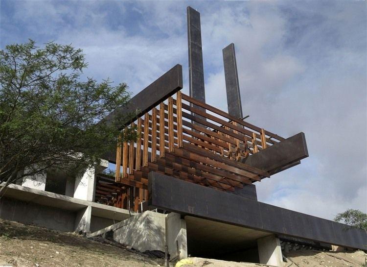 Algarrobos House by Daniel Moreno Flores