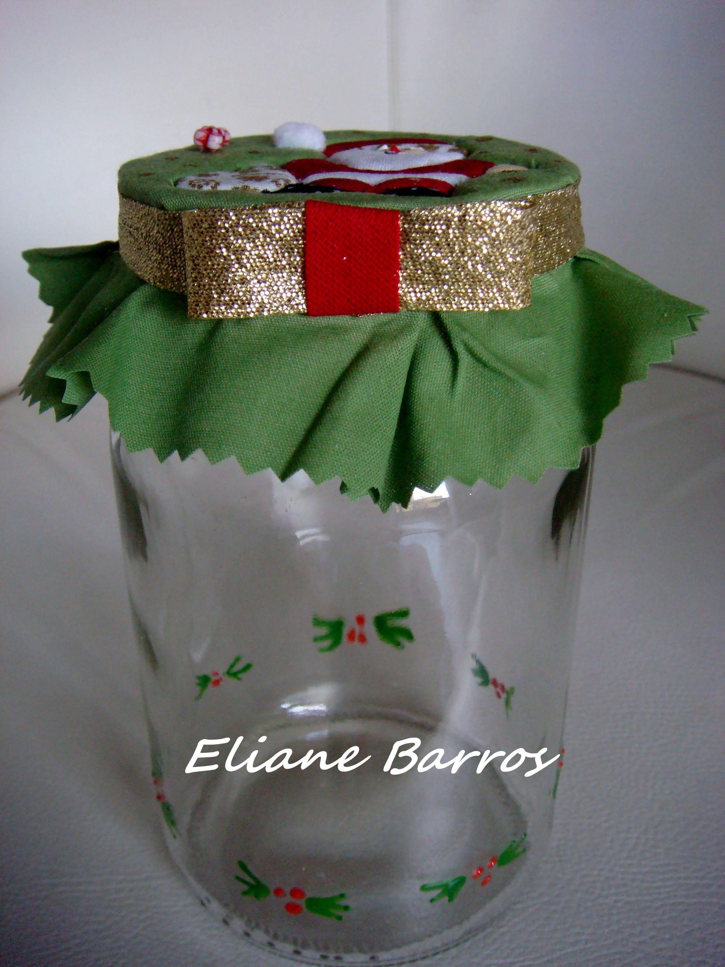 vidro reciclado com tampa trabalhada em patchwork embutido, feito por Eliane Barros