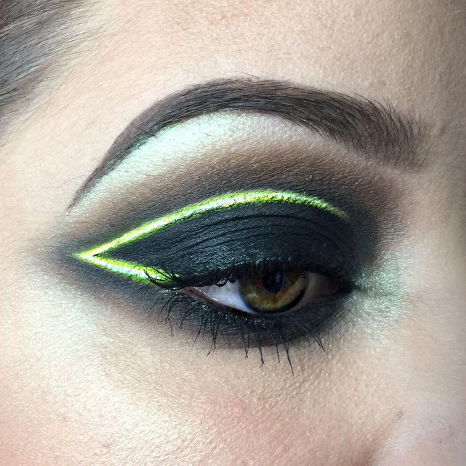You Need To Try The New Neon Light Makeup Trend Eye Makeup