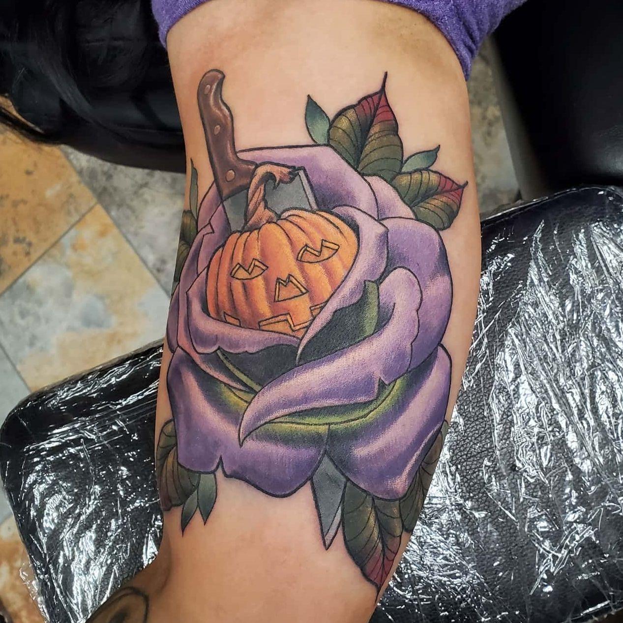 😍🎃 Slasher Jack-o-lantern Rose tattoo by @tattoosbyjonah ★ ★ ★ ★ toofastonline.com #tattoo #tattooed #tattoosnob #tattoolove #tattooideas #tattoos #tattoostagram #instatattoo #instatattoos #ink #art #darkartists #blackwork #bw #blackwork #blacktattoo #onlythedarkest #blacktattooing #blackworkers #blxckink #blackandgreytattoo #blackandgrey #inked