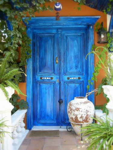 Make sure that the pathway to your frontdoor is clutter free and without obstacles, so the Chi can easily flow into your home! - An Sterken - Feng Shui expert - www.ansterken.com