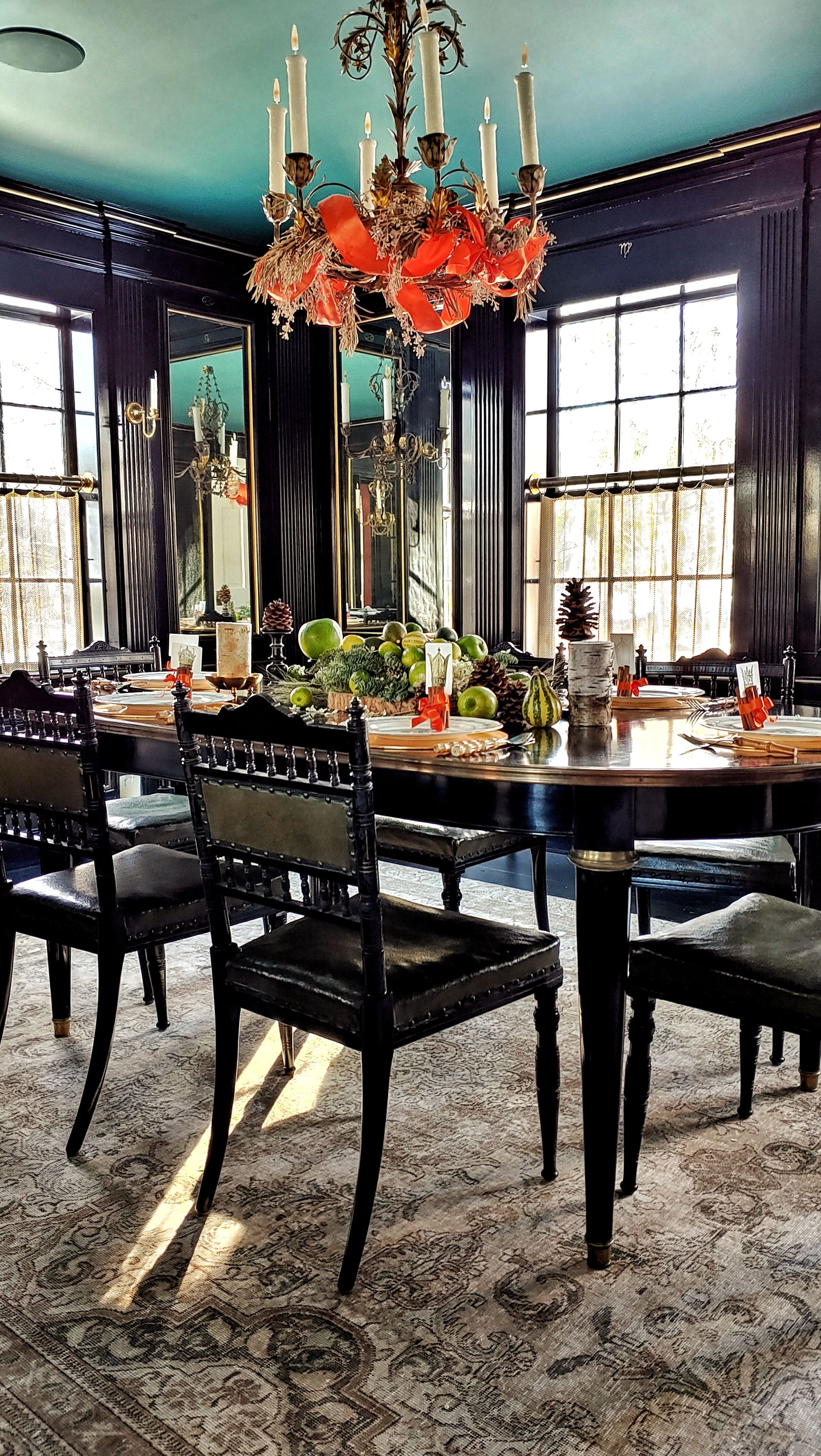 The Black Lacquer Dining Room At B Ellow Table Decorations Elle Decor Dining Room