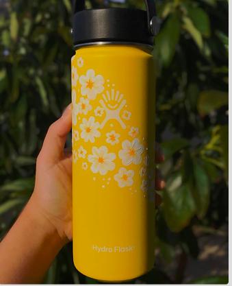 Pin By Katie Renee On Painted Hydroflasks Water Bottle Art Flask Art Hydro Painting